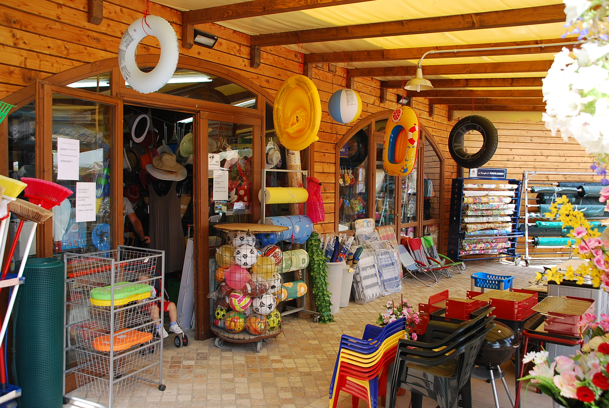 Shop op Camping Paradiso 009